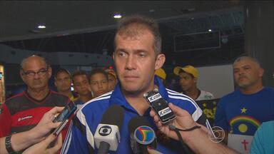 Eduardo Baptista espera Sport precavido, mas jogando de forma inteligente contra Flu - Rubro-negros viajaram na sexta-feira para o Rio de Janeiro, onde jogam no domingo