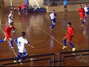Jovens participam dos Jogos Estudantis em Ituiutaba - Campeonato têm várias modalidades como futsal, vôlei, xadrez, peteca, entre outras. Vencedor garante vaga no Estadual.