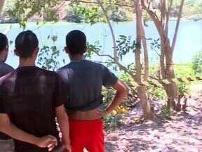 Pescadores são encontrados mortos próximo ao Zoobotânico de Teresina - Polícia trabalha com a hipótese de latrocínio, roubo seguido de morte.Um dos corpos foi encontrado totalmente carbonizado nas margens do rio.