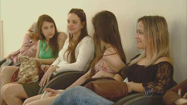 ONG de Piracicaba incentiva que homens incentivem mulheres a fazerem exame de mamografia - Cidade tem fila de aproximadamente 1,4 mil mulheres que aguardam para fazer o exame.