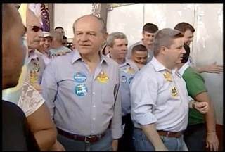 Pimenta da Veiga do PSDB teve compromissos de campanha em Governador Valadares - Candidato chegou acompanhado de lideranças políticas.