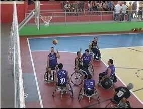 Time de basquete para cadeirantes de Ipatinga se preparam para disputa do título mineiro - Atletas se reuniram na cidade de Bugre para treinar.