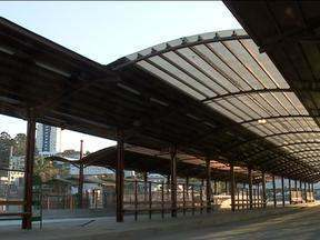 Estações de ônibus em Caxias do Sul, RS, devem ficar prontas em 2015 - Obras fazem parte do Sistema Integrado de Mobilidade, que já provoca mudanças no centro da cidade.