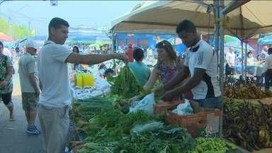 Rondônia TV mostra situação da Feira do Produtor, no Cai Ná'gua - Por causa da alagação, a feira já mudou de local várias vezes.