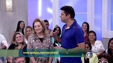 Lair Rennó apresenta plateia do Encontro - Fátima convida o público a se inscrever no site