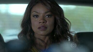 Juju decide voltar para Santa Teresa sem falar com Orville - Ela fica chocada quando vê o marido aos beijos com Carmem