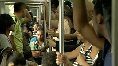 População enfrenta trânsito caótico para ir ao trabalho em Belo Horizonte - E, sem poder fazer nada diante dos engarrafamentos cada vez mais comuns, tem gente que não consegue controlar a ansiedade.