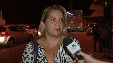 População que pega ônibus no Centro de Fortaleza relata angústia e medo - CETV acompanha o caminho de alguns passageiros.