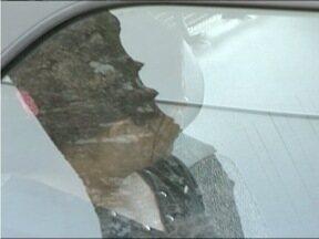 MG Patrulha: Cinco pessoas são detidas em São José do Divino suspeitas de traficar drogas - 20 buchas e um tablete de maconha foram encontradas com os suspeitos.