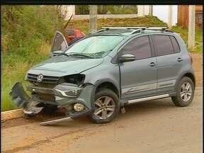 Acidente envolvendo três carros bloqueia a ERS-324 - O motorista que provocou o acidente fugiu do local.