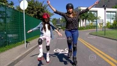 Giovanna Rispoli leva Marcela Monteiro para passeio de patins no Projac - Atriz de Boogie Oogie dá dicas para arrasar sob as rodinhas
