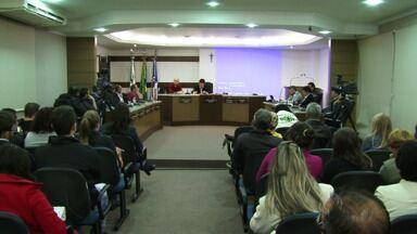 Prefeito de União da Vitória aprova aumento da tarifa de ônibus na cidade - A nova tarifa será de 2 reais e 60 centavos e começa a valer no próximo dia 15.