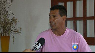 JPB2JP: Pai que encontrou filho preso fala sobre educação dada ao rapaz - Detido acusado de assaltar passageiros de ônibus.