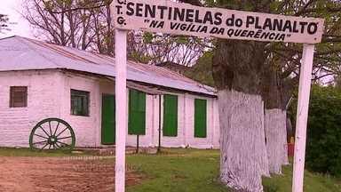 Lugar escolhido para celebração de casamento homossexual causa polêmica no RS - Ligações anônimas ameaçam colocar fogo no local onde a cerimônia está marcada para acontecer, em Santana do Livramento. O local é um Centro de Tradições Gaúchas, e tem cartilha rígida de comportamento.