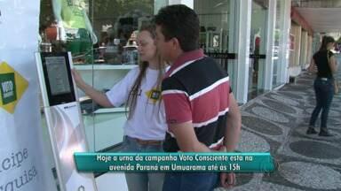 Urna da campanha Voto Consciente fica até o fim da semana em Umuarama - No Noroeste, pesquisa já passou por Paranavaí e Cianorte. Campanha incentiva o eleitor a participar da política.