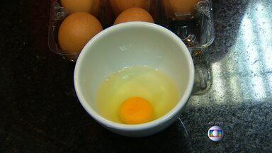 Nutricionista fala sobre propriedades do ovo - Por muita gente, ele é considerado o vilão do colesterol. Já para aqueles que gostam de malhar, é usado como aliado na alimentação.