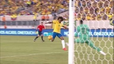 Brasil vence o Equador no segundo amistoso sob o comando de Dunga - Em Nova Jersey (EUA), a Seleção Brasileira derrotou o Equador por 1 a 0, o mesmo placar do primeiro jogo, contra a Colômbia. William fez o gol da vitória e Neymar perdeu uma grande chance de aumentar o placar.