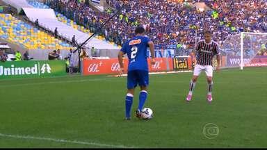 Cruzeiro recebe o Bahia no Mineirão, em Belo Horizonte - E para tentar manter a diferença de sete pontos em relação ao segundo colocado, o líder vai ter Ceará improvisado.