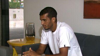 Vice-artilheiro da Série C, Magrão comemora gols pelo CRB - Atacante já marcou cinco gols na terceirona.