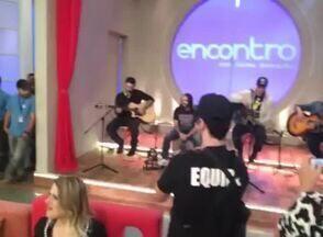 Lair mostra banda Malta nos bastidores - Plateia vai a loucura durante a passagem de som