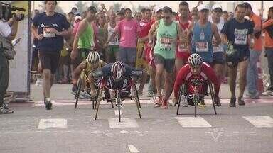 Atletas competirão na Meia-Maratona A Tribuna Praia Grande - 3500 atletas participam da corrida na orla da praia.