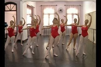 Examinadores de academia de balé de Londres estão em Belém - Eles vão avaliar e certificar bailarinas interessadas em receber o conceito e notas da instituição, considerada uma das mais importantes escolas de balé do mundo.