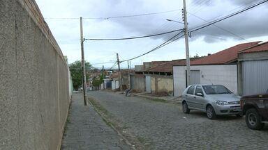 Bandidos rendem mulher grávida e invadem casa em Campina Grande - Criminosos renderam mulher grávida de cinco meses e fizeram ameaças.