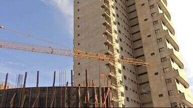 Aumenta custo da construção civil em Mato Grosso do Sul - Quem está construindo ou reformando tem sentido no bolso o que foi revelado em uma pesquisa do IBGE. Tudo está mais caro, desde o terreno até o material de construção, o custo é quase 50% maior em um ano em Mato Grosso do Sul.