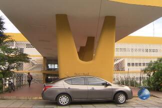 Jutiça concede pedido de prisão para segurança acusado de balear estudante da UFBA - Jovem pichava um muro, quando foi atingido.