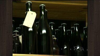 Cervejaria artesanal passa a produzir 2 mil litros de bebida, no ES - Instalada em Venda Nova do Imigrante, estabelecimento surgiu para consumo entre amigos e acabou virando negócio.