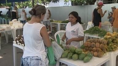 Produtores rurais vendem produtos em feira na Zona Sul de Manaus - Marinha realiza evento para comercio de produtos de cooperativas e associações.