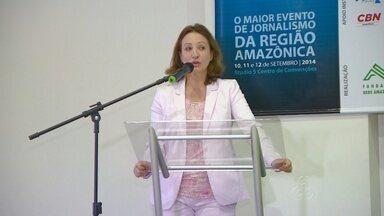 Em Manaus, seminário de Jornalismo encerra com palestra de Sônia Bridi - Repórter da TV Globo falou sobre experiência como correspondente. Vencedores do Prêmio Milton Cordeiro de Jornalismo foram divulgados.