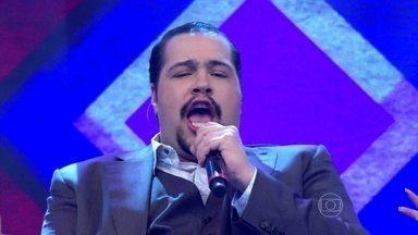 Sucesso de Ivete Sangalo levanta o público na voz de Tiago Abravanel - Ator canta 'Levada Louca'
