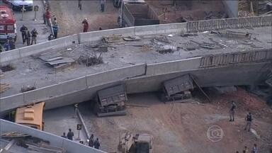 Laudo aponta que erros de cálculo provocaram queda de viaduto em MG - Desabamento do Viaduto Guararapes, em BH, matou duas pessoas em julho. Falta de revisão do projeto por empresas responsáveis foi um dos motivos.