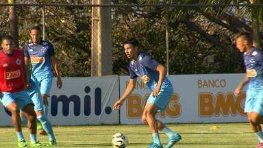 Volante Henrique volta ao time titular do Cruzeiro - Raposa recebe o Atlético-PR amanhã no Mineirão.