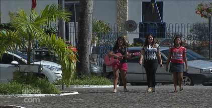 Torcedores do Botafogo-PB compõem paródia para o time - Trio de amigas se reúnem para homenagear o Belo com música.
