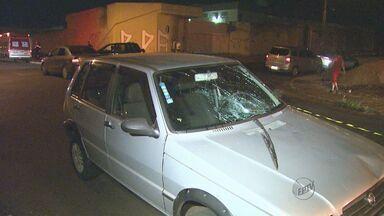 Homem morre atropelado ao passear com cachorro em Ribeirão Preto - Teste do etilômetro constatou que motorista dirigia embriagado. Ele foi retirado do local pela polícia.