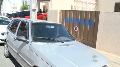 STTP aplica multas por estacionar em local proibido a motoristas em Campina Grande - Em Patos, no Sertão, muitos motoristas também não respeitam regras de trânsito.