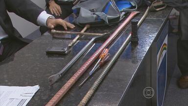 Quatro homens são presos após arrombar prédio no Recife - Crime ocorreu na Zona Norte da capital.