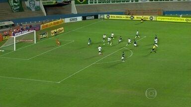 Goiás atropela Palmeiras que está na lanterna do Brasileirão - Grêmio vence em casa e se aproxima do G4.