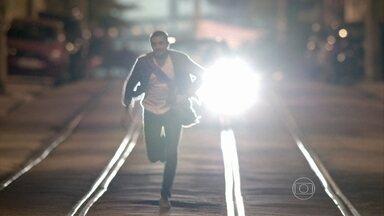 Império - Capítulo de segunda-feira, dia 22/09/2014, na íntegra - Fernando tenta atropelar Vicente