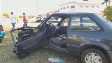 Idoso fica ferido em acidente em Franca, SP - Vítima ficou presa às ferragens depois de acidente com carro e permanece internada no Hospital do Coração.