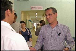 Funcionários da Santa Casa de Mogi participam de movimento de luto da instituição - A conscientização sobre o endividamento dos hospitais filantrópicos acontece em todo o País.