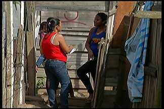 Famílias de Jundiapeba, em Mogi das Cruzes, protestam pelo direito à moradia - Grupo organiza um cadastro para ajudar as famílias que, na semana passada, invadiram área da companhia de transmissão de energia elétrica paulista.