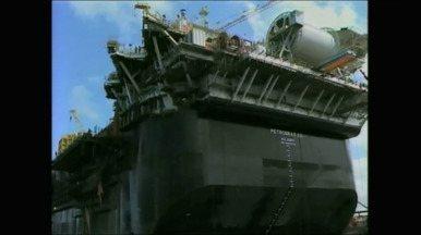 Casco da plataforma P-66 vai deixar porto de Rio Grande, RS, em outubro - Estrutura é a primeira, das oito encomendadas pela Petrobrás ao estaleiro gaúcho.