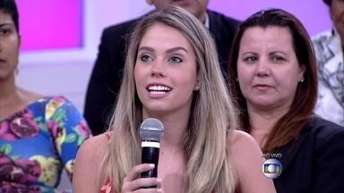 Giulia Castrucci, filha de Cristiana, dá depoimento sobre situação vivida pela mãe - Menina tem mais dois irmãos e conta como foi o choque da doença para a família