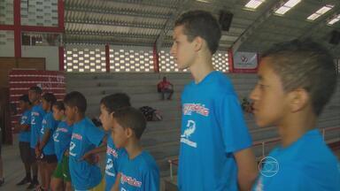 Projeto descobre novos talentos do Pentatlo Moderno no Recife - No Coque, meninos estão deixando de lado a bola para descobrir outras habilidades