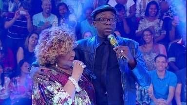 Mumu imita Alcione, só que dessa vez ao lado da própria - Os dois cantam juntos em momento especial e único no Esquenta!