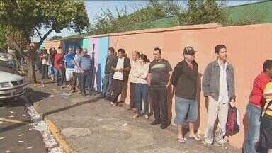 Dia de votação foi tranquilo nas cidades da região de Campinas - De acordo com a Justiça Eleitoral, poucos incidentes foram registrados. Problemas com a identificação biométrica dos eleitores em algumas urnas atrasou o processo em algumas cidades.