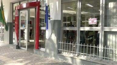 Com bancários em greve, moradores buscam alternativas para pagar contas em Resende, RJ - Opção para muitos são as casas lotéricas.